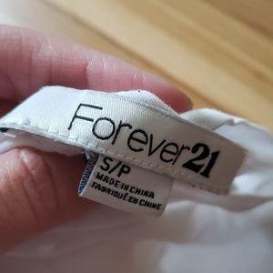 Forever 21 Tops - Crop top